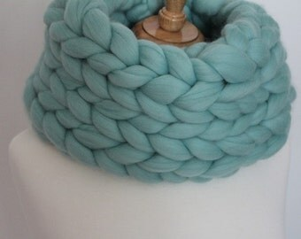 Super Chunky Infinity Cowl Scarf.  Merino Wool.  Hand Knit.  Ready Made