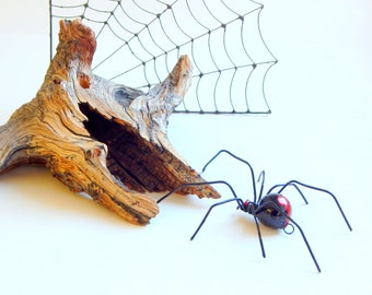 Large Redback Spider Wire Art Arachnid Sculpture Halloween Decoration Hanging Black Spider Unique Gift of Nature Window Art Wall Art