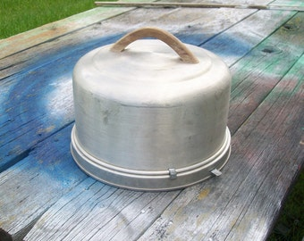 Vintage Mirro Aluminum Locking Cake Carrier Wood Handle 1950s