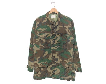 Vintage USMC Army Issue Camo 100% Cotton Warm Weather Button Up Shirt Made in USA - Small (OS-cm-4)