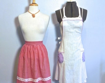 Vintage Lot of Aprons , 1940s Pinafore Apron , 1950s Gingham Apron