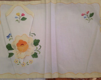 Applique and Embroidery Placemats and Napkins Set Pair