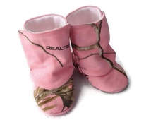 Baby Girl Boots,  Pink RealTree Camo fabric / Newborn boots / Infant Boots / Toddler boots