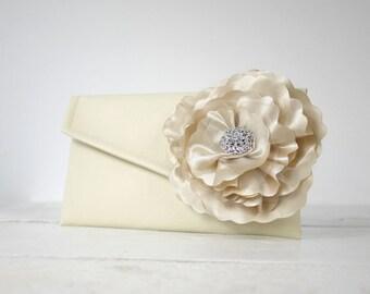 Champagne bridal clutch | Champagne wedding purse | Champagne bridesmaid clutch