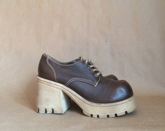 vintage 1990's platform club kid shoes womens size 7 grunge 90's rave