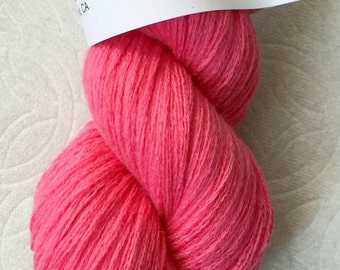 Hot pink pure worsted cashmere recycled yarn