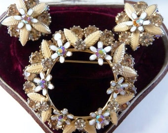 Vintage Weiss hand enameled rhinestone wreath brooch clip earrings set | designer signed
