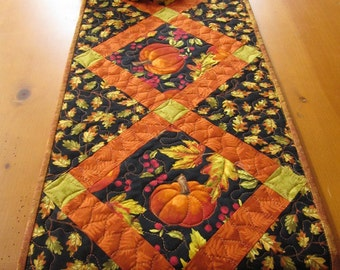 Quilted Table Runner, Fall Table Runner with Pumpkins, Handmade Table Runner, Tablerunner, Home Decor, Leaves, Table Decor, Autumn Colors