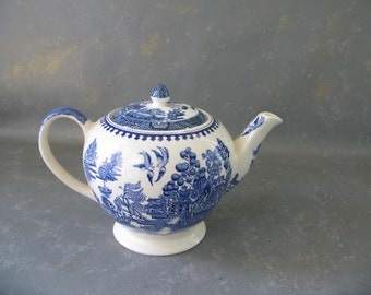 Vintage Blue Willow Teapot, 5 cup, England, Decorative, sadler
