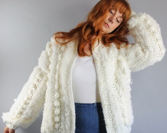 SALE - Vintage 80s Womens Cream Crochet Textured Boho Fall Chunky Knit Cardigan Sweater