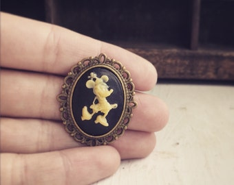 Vintage Style Minnie Mouse Brooch