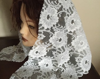 Sale: Triangle  paper white lace church chapel mantilla veil scarf - floral- scalloped Mass Church Veil / Traditional Head Covering / Veilin