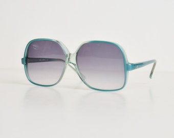 Vintage 70s 80s Oversized Sunglasses / Butterfly Gradient Blue Shades