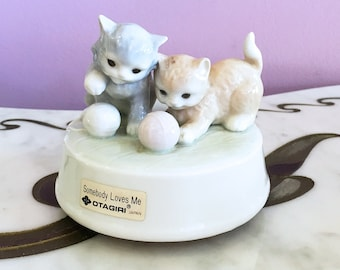 Vintage 70s Kitten Otagiri Music Box / 1970s Figurine Glazed Porcelain