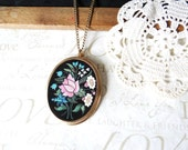 psychedelic GARDEN vintage 1960 pendant necklace | pink | turquiose | white | green | cotton candy | twiggy | free love | gold | groovy
