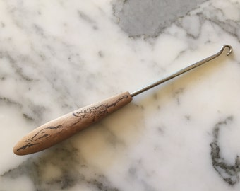 Button Hook Wood Wooded Handle . Antique Victorian