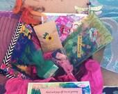 Daisy Chain ART LOVE BOX