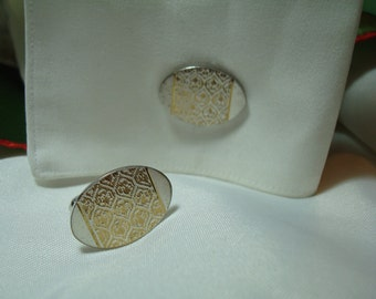 VintageSWANk Brand Silver Tone with Gold Etched Pattern Cufflinks.
