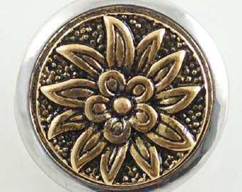 Brass snap charm for 18-20 mm Snap jewelry.