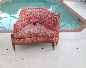 MID CENTURY RETRO Chair / Funky Shaped Mid Century Chair / Vintage Curvy Chair / Ready for a Redo / Retro Style at Retro Daisy Girl