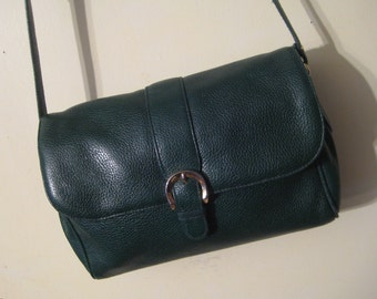 80s LIZ CLAIBORNE PEBBLED Genuine Leather vtg Forest Green Large Silver Buckle vtg Cross Body Messanger Bag Purse Lots of Pockets 1980s