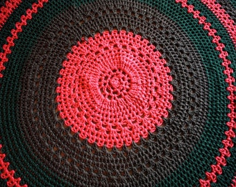 1970's Hand Crochet Blanket // 60's 70's Fall Knit Patchwork Round Blanket // Green Red Brown // Christmas Knit