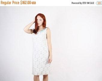 On SALE 25% Off ends 10th 60s White Lace Wedding Dress  - 1960s Mod Crochet Lace Wedding Dress - The White Lace and Promises Dress  - 5246