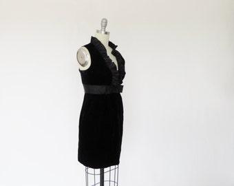 Vintage 1960s Dress / 60s Dress / MOD Dress / Mini Dress Black Dress / Cocktail Party M