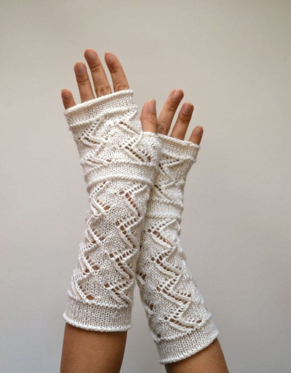 Knitting Pattern Lace Gloves : White Lace Knit Fingerless Gloves White Gloves by lyralyra