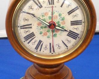 Vintage Howard Miller Clock Company Bedside/Table Top Electric Clock