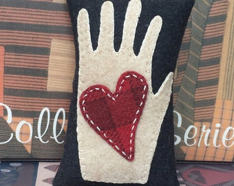 "HAND STITCHED: Primitive Folk Art Wool Applique BOWL Fillers - ""Heart and Hand"" - Design by Cheri Payne"