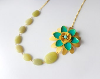 Yellow green jade flower necklace jem necklace one strand