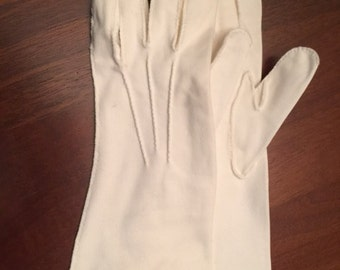 Vintage 50s or 60s White Gloves, Small