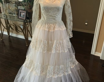 70s Tulle and Lace wedding gown 0 XS