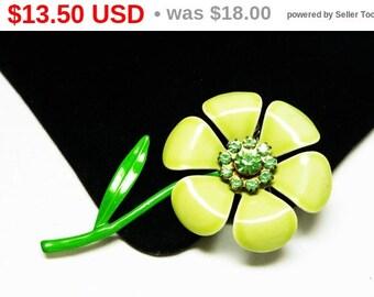Pastel Green Flower Brooch - Daisy Flower Pin - Green Rhinestone Center Enamel Flower Power Jewelry - Vintage 1960's - 1970's