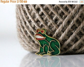 50% OFF Absolutely adorable little green frog, vintage pin, brooch from USSR
