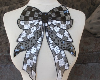 Cute embroidered bow   applique   with   sequins   1 pieces listing