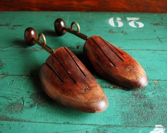 Vintage Wooden Shoe Trees, Shoe Stretchers, Shoekkepers, Shoe Forms Size 10B