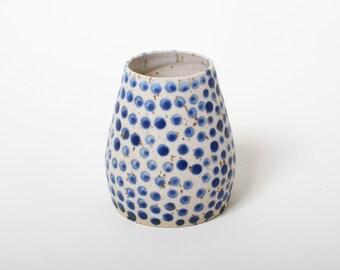honey bowl danish blue white dots unique vessel poterie ceramica dots handmade by pollipots studio pottery scandinavian