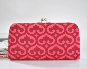 Spade in Pomegranate - Small Flat Clutch