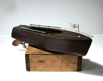 Vintage Toy Boat / Wood Pond Boat / Distressed Toy Motorboat / Aged and Weathered / Nautical Decor / Lake Cabin Decor / Dark Wood Toy Boat