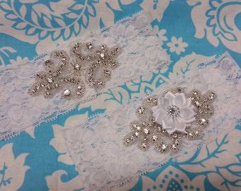 white Wedding Garter set  , stretch lace garter, crystal, rhinestone, white flower,
