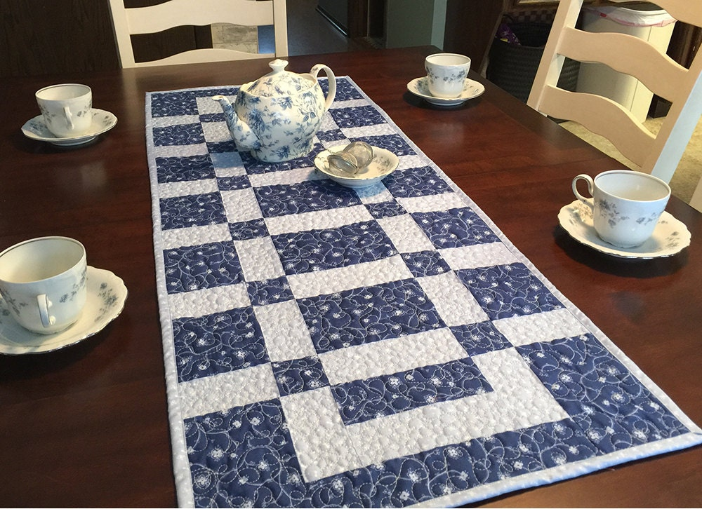 Table runner pattern sidewalks and squares quilted for 102 table runner