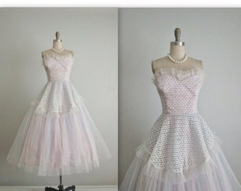STOREWIDE SALE 50's Prom Dress // Vintage 1950's Strapless Lace Tulle Tulle Prom Wedding Party Dress Gown XS