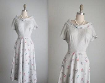 STOREWIDE SALE 40's Rayon Dress // Vintage 1940's Grey Floral Print Rayon Garden Party Dress L Xl