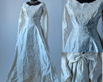 50's Ivory Satin Wedding Gown Full Skirt Dress with Chantilly Lace, Button Cuffs and Bow Size XS