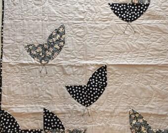 Baby Quilt- Six Little Birds story quilt