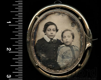 Rare 1850s Daguerreotype Photographic Brooch ~ Little Boys ~ Memento Mori / Mourning Jewelry?