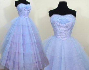 1950s full skirt formal dress - strapless blue tulle & lace over lavender - cupcake prom dress - XS