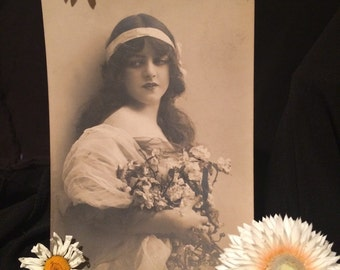 Real Photo Postcard - Beautiful  Girl with White Flowers - Long Hair - Antique Photo